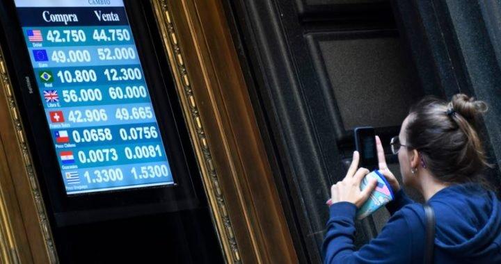 Mercado cambiario: El dólar sube 16% en lo que va del año y hoy cierra en $ 44,90