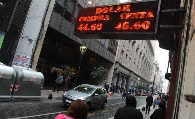 El Banco Central venderá dólares debajo del techo de $51,45