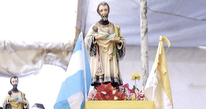 Miles de vecinos peregrinaron a San Cayetano en Zapala