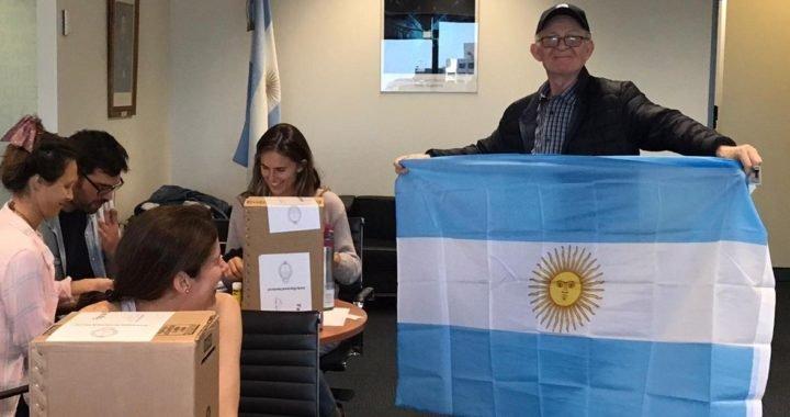 Elecciones 2019: los argentinos que viven en el extranjero comenzaron a votar