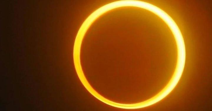 """""""Ojo de Sauron"""": el extraño eclipse que hipnotizó a millones de personas en todo Asia"""