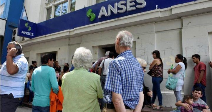 El Gobierno oficializó el bono de $5000 a jubilados y comenzaron a pagarlo hoy