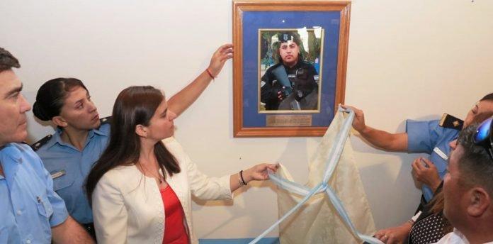Rindieron homenaje al policía Luis Nahuelcar