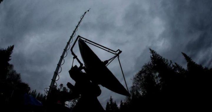 Una misteriosa señal de radio en el espacio tiene confundidos a los científicos