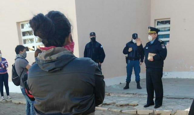 Por recortes de sueldos: trabajadores  reclaman en la Municipalidad de Mariano Moreno