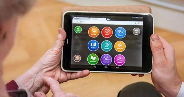 Analizan extender el programa de tablets gratis para jubilados, pensionados y mujeres de zonas rurales