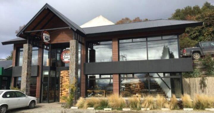 DERECHO DE ADMISIÓN: Una cafetería de Bariloche prohibió el ingreso de políticos