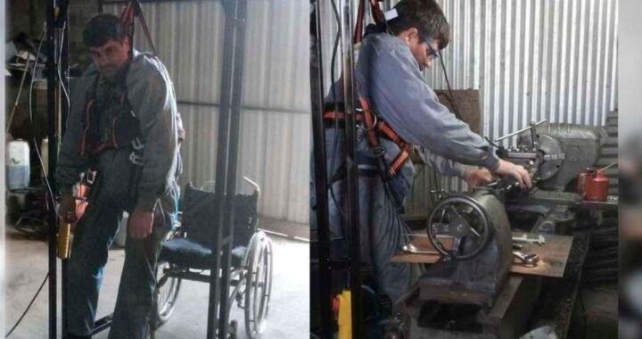 David quedó en silla de ruedas por un accidente laboral y diseñó una estructura para mantenerse parado y seguir trabajando