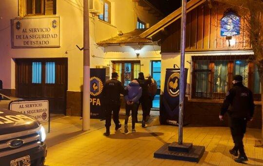 ZAPALA: POLICIA FEDERAL DESARTICULA DOS KIOSCOS DE VENTA DE DROGAS